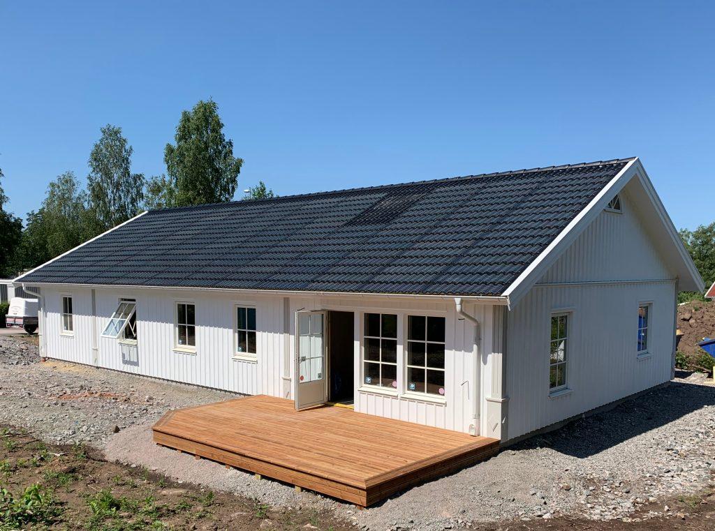 Tönnebo - altan och taktegel med solceller